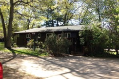 Beautiful country home with spacious garage and bedrooms!